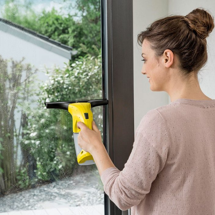 The Kärcher WV1 Window Vac Cleaner from Robert Dyas