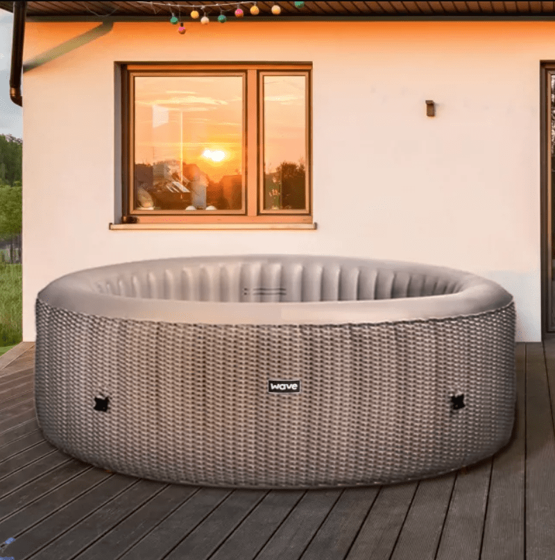 A Wave Atlantic Plus inflatable hot tub for 4-6 people