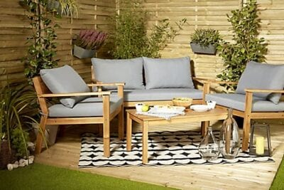 Outdoor chairs and table set - for coffee or garden furniture